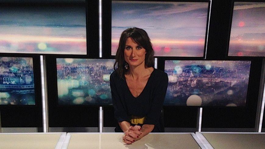 Enseignement à distance, journalisme TV itv Aurélie Blonde