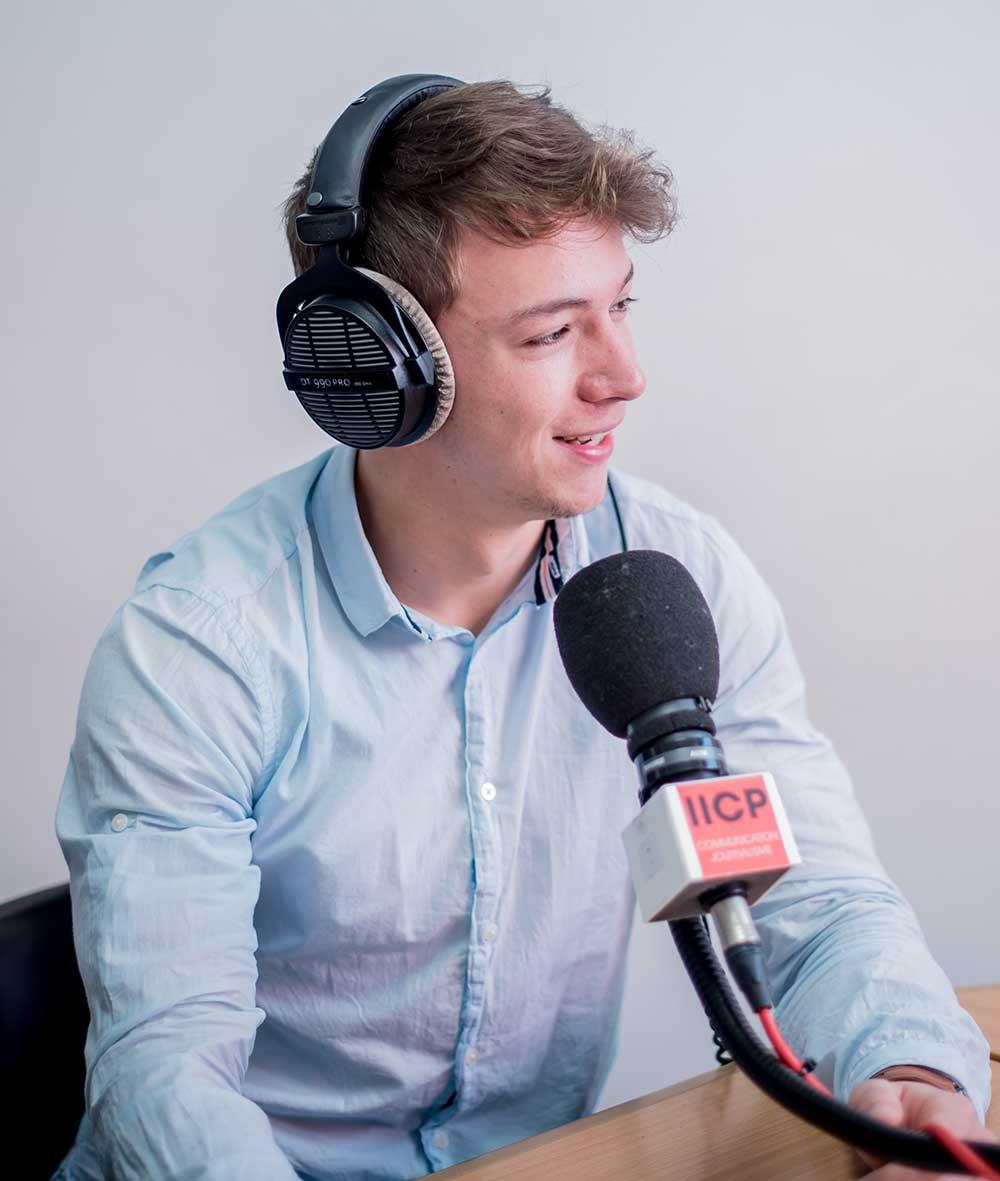 IICP visite guidée studio radio journalisme